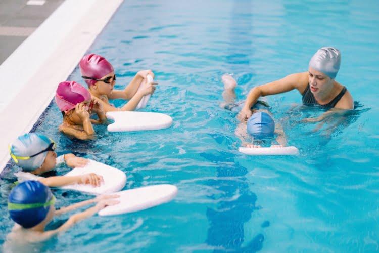 Çocuklar İçin Yüzme Kursu
